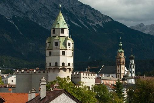 Münzerturm Hall in Tirol Kirchtürme